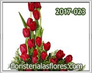 Arreglos de tulipanes rojos para personas inolvidables